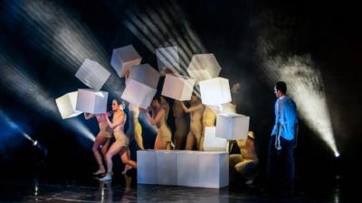 Танцующий Сальвадор Дали на Химмаше: как цех завода на одну ночь превратился в театр