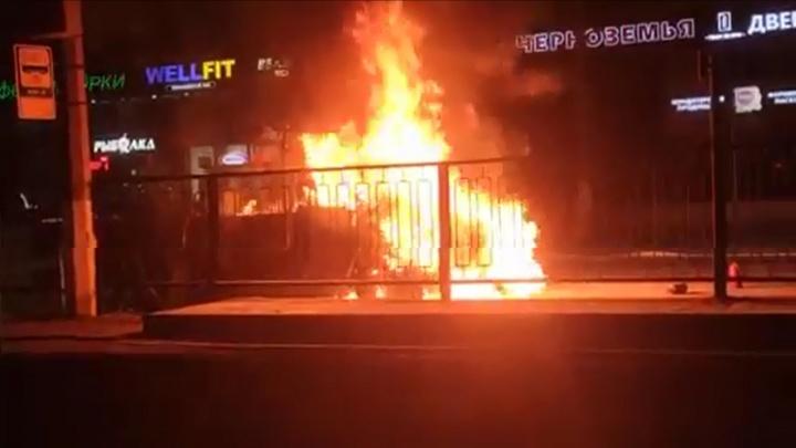 В центре Волгограда загорелась «Газель»