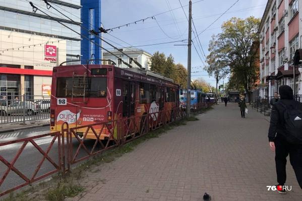 Троллейбусы сейчас ездят по укороченным маршрутам