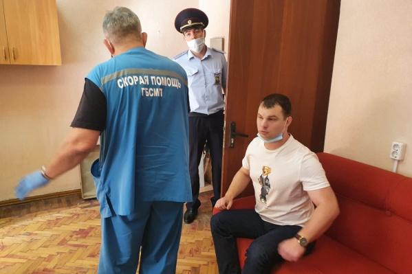 Медики госпитализировали Крашенникова прямо с участка