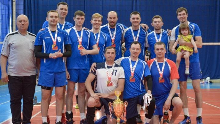 Чемпионат Омской области по волейболу «Лига Ларионова» завершился победой мужской команды Омского района