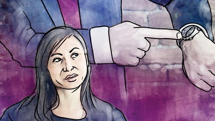 «Мне 42, и я ночую только дома»: истории взрослых, которые живут с родителями — почему это популярно в России
