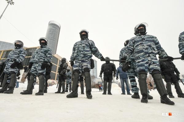Евгений Лобанов признался, что до вчерашнего дня так много силовиков на акциях протеста не видел