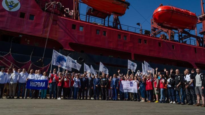 55 ученых на судне-легенде: как из Архангельска в Арктику отправляли плавучий университет. Репортаж