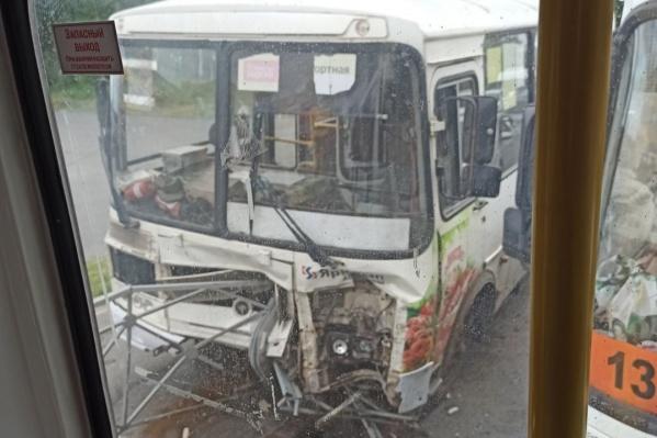 Пассажиры рассказывают, что после ДТП им вернули деньги, заплаченные за проезд