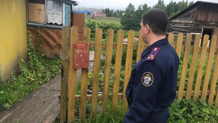 Кузбассовец жестоко зарезал молодую женщину и ее 8-летнего сына. А после ударил ножом себя