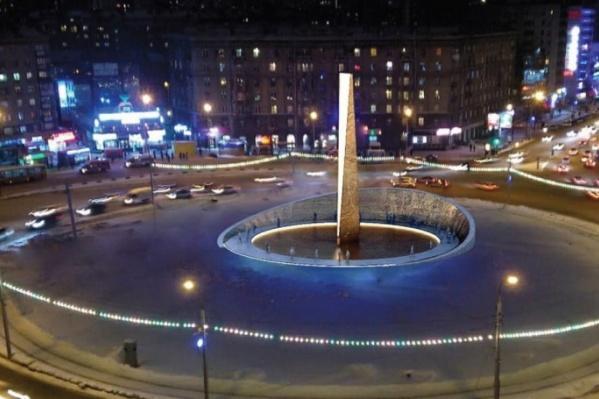 Стелу хотят установить возле памятника труженикам тыла рядом с парком 30-летия ВЛКСМ
