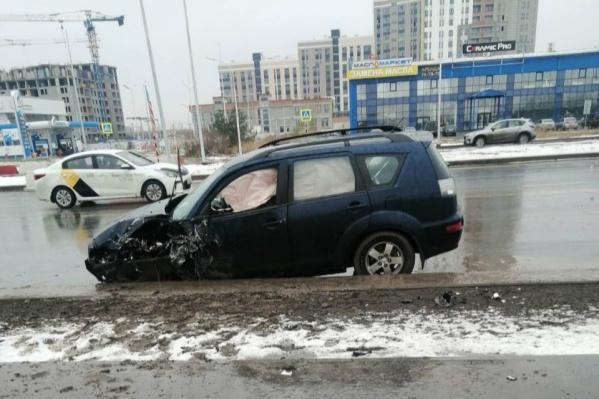В этой осенней аварии погиб водитель внедорожника и пострадали пассажиры маршрутки