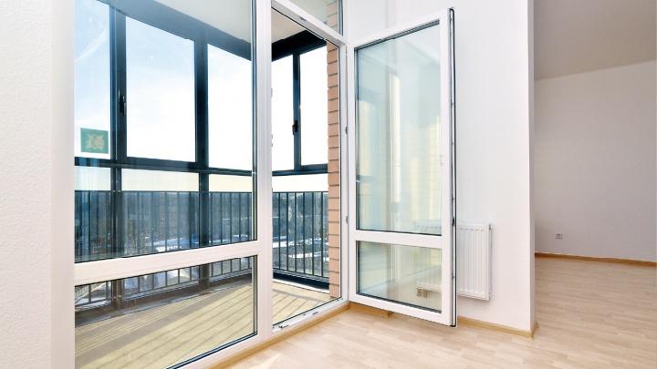 Больше света и простора: панорамный балконный блок стал фишкой крупного уральского застройщика