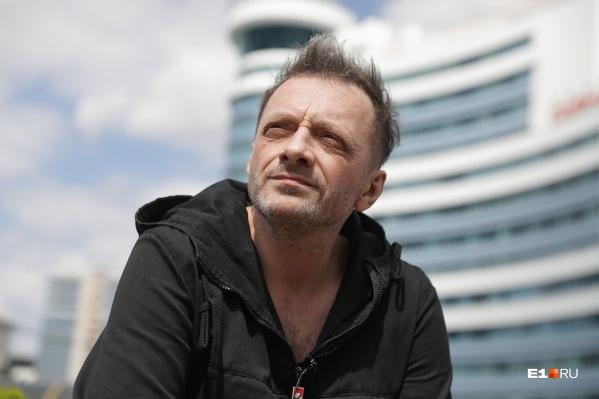 Глеб Самойлов родился в Асбесте 4 августа 1970 года