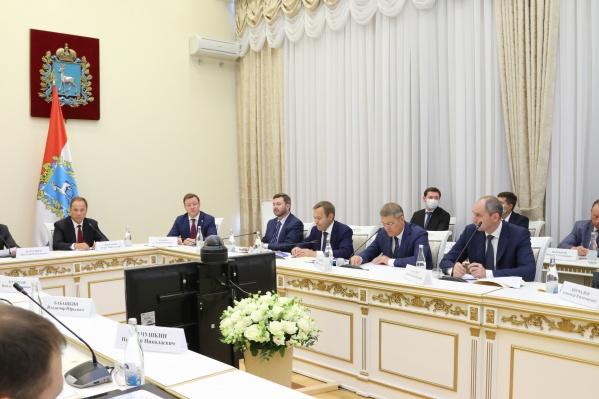 На совещании обсудили показатели социально-экономического развития области