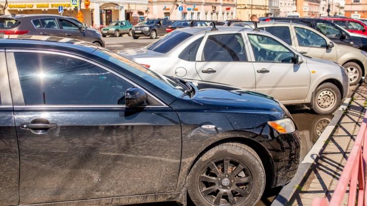 Гаишники устроят облаву на автомобили с тонировкой