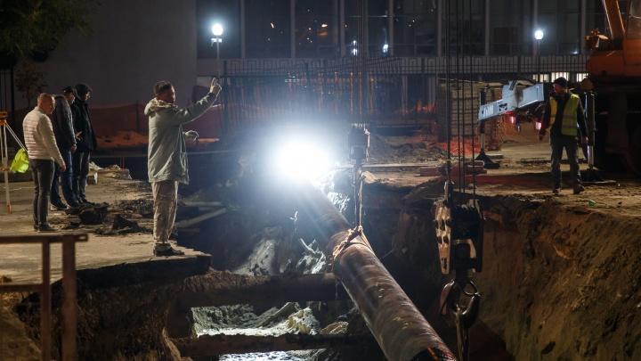 Симфония для трубы с оркестром: что творят коммунальщики в центре Волгограда под покровом ночи
