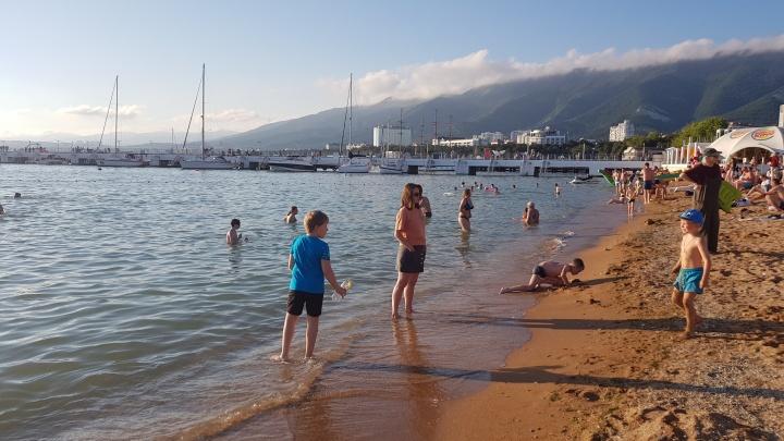 На Кубани морская вода прогрелась до 30 °С. Синоптики рассказали, что будет дальше