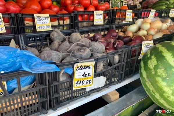 Розничные цены на овощи из «борщевого набора» взлетели до космических
