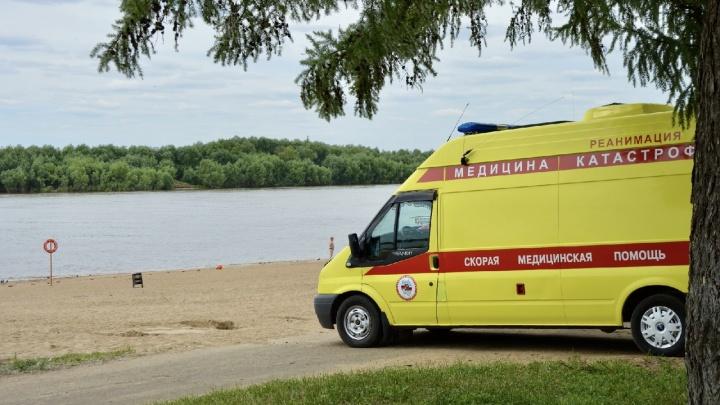 Под Омском на глазах у жены и детей утонул 41-летний мужчина