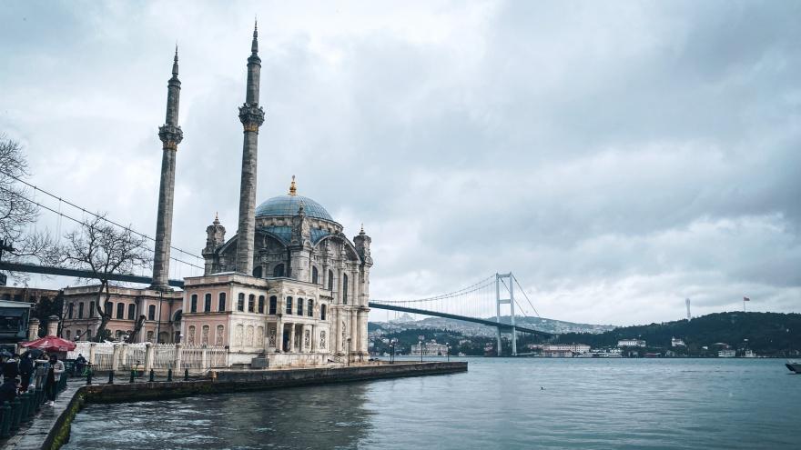 «Российские курорты трещат по швам». Когда ждать открытия Турции