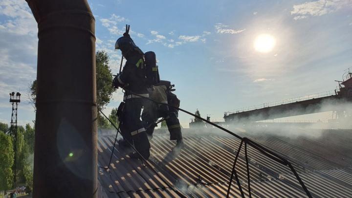В Волгограде загорелся цех завода «Красный Октябрь»