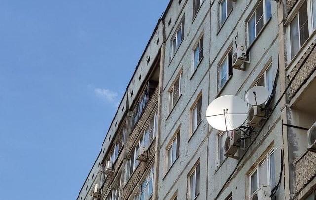 «Нам сказали, что это уникальный случай»: в Волгограде рискует рухнуть панель девятиэтажки