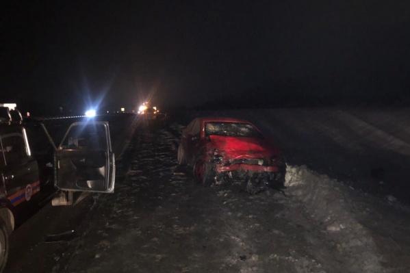 Водитель и пассажиркаFord Focus погибли