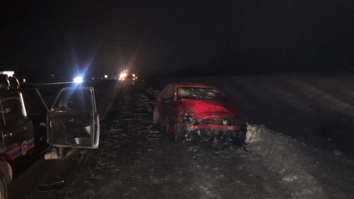 В Ростовской области пьяный водитель протаранил Ford с семьей. Выжила только 7-летняя девочка