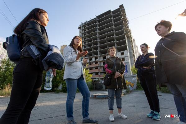 У многих дольщиков этажи уже построены, но за квартиру предлагают заплатить во второй раз