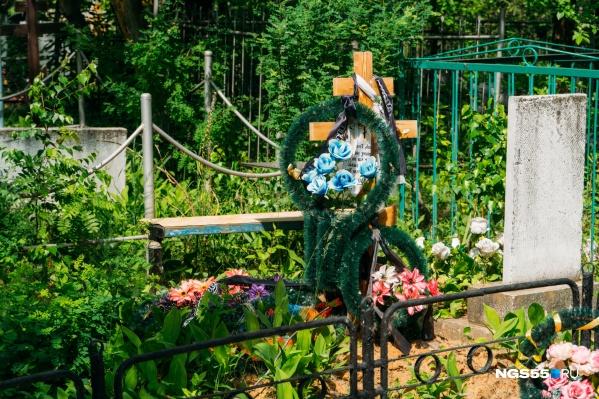 Только за прошлый год на кладбище в Ключах появились несколько сотен новых могил