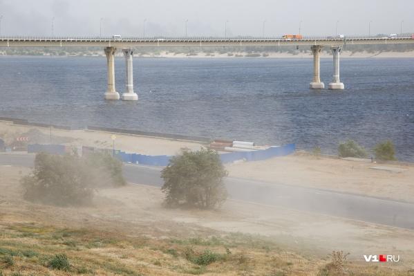 Пыльные бури из Калмыкии и Дагестана могут дойти и до Волгоградской области