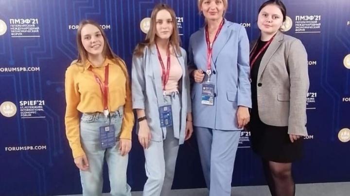 Такую в магазине не купишь: студенты из Екатеринбурга начали шить уникальную одежду
