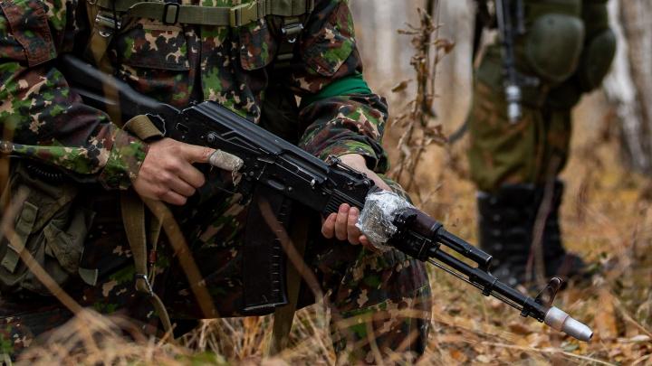 «Льется грязь на моих детей»: руководитель клуба «Юный армеец» ответил на обвинения в стрельбе на территории лагеря