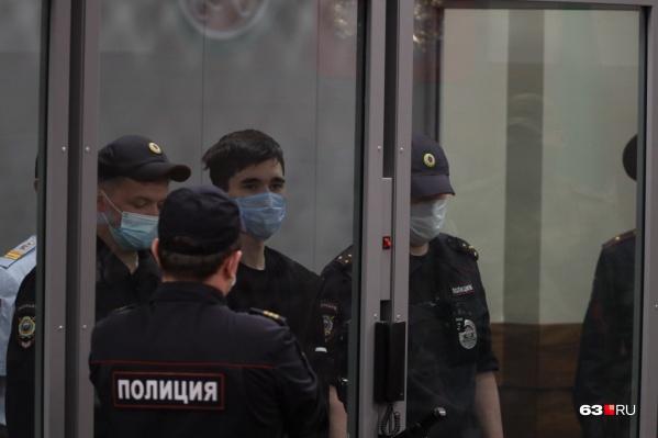 Галявиев обстрелял школу, которую сам закончил несколько лет назад. Что стало мотивом его поступка еще предстоит установить экспертам