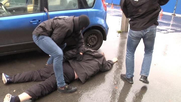1300 долларов за штуку: безработного из Казахстана осудили в Омске за контрабанду деталей для ракет