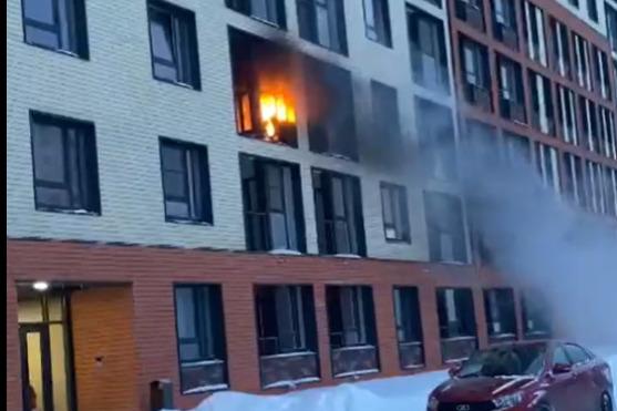 Пожар в ярославской новостройке: двое пострадали