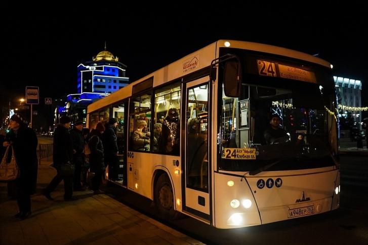 Перевозчик обслуживает не только регулярные маршруты: автобусы подают к театрам и местам проведения городских праздников