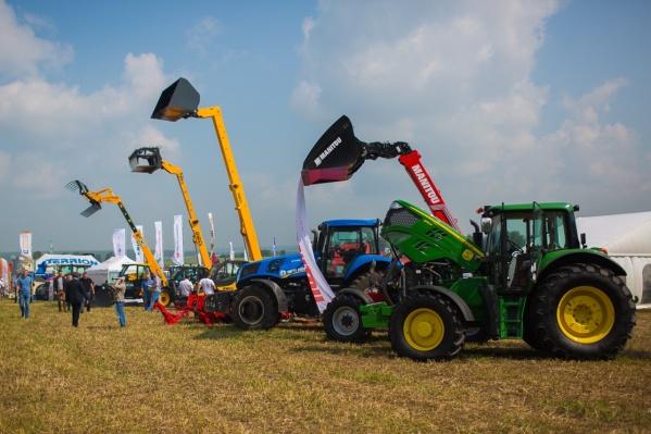 Одно из событий выставки — конкурс «Лучший тракторист-машинист в сельскохозяйственном производстве в 2021 году»