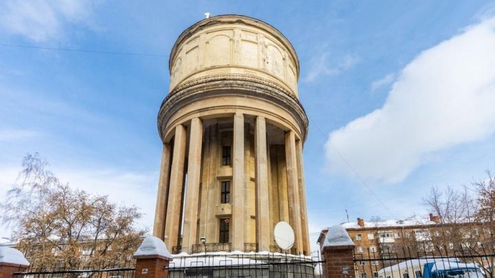 В Новосибирске продают за 50млн знаменитую башню, в которой бывал Михаил Горбачёв. Фоторепортаж изнутри