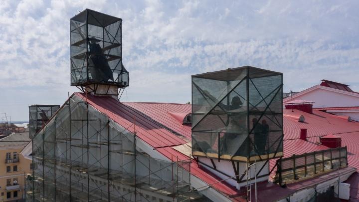 «Еще чуть-чуть — и муза стала бы безрукой Венерой»: смотрим, что сделали в Волгограде с Новым экспериментальным театром