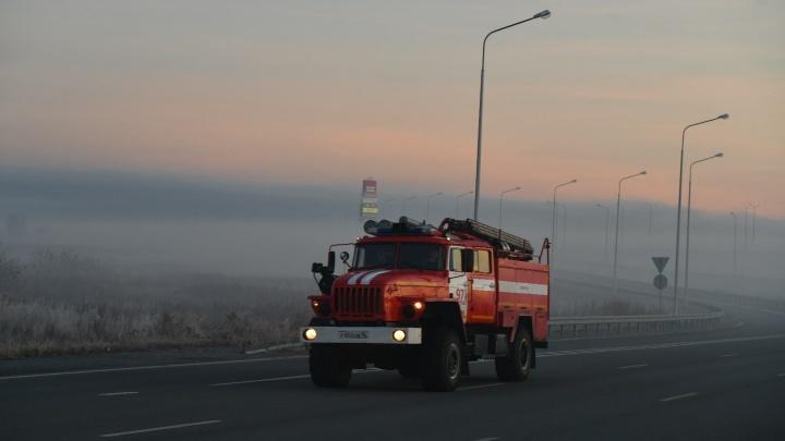 «Торфяной пожар — штука страшная, непонятная». В мэрии рассказали, как борются со смогом в Екатеринбурге