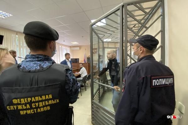 Андрей Пивоваров в суде по избранию меры пресечения