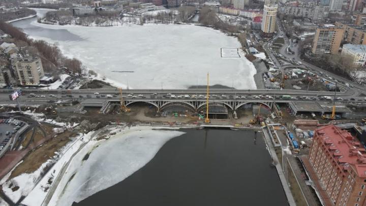 В мэрии рассказали, когда полностью откроют движение по Макаровскому мосту