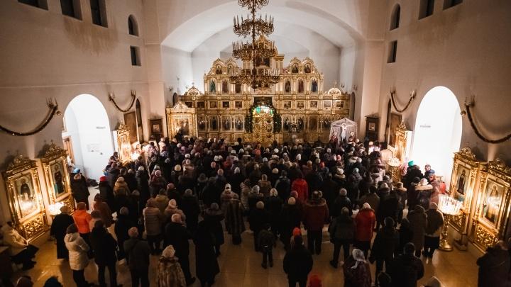 В храмах Кузбасса пройдет несколько служб на Рождество. Рассказываем, какие еще есть изменения