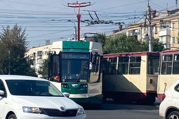 Новый трамвай оказался не готов к старым челябинским рельсам