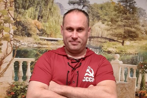Алексей Княжев приходится братом бывшему главе «Диванных войск» Анатолию Княжеву