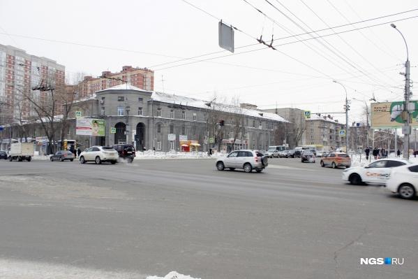 Пересечение двух мощных магистралей — улиц Дуси Ковальчук и Нарымской