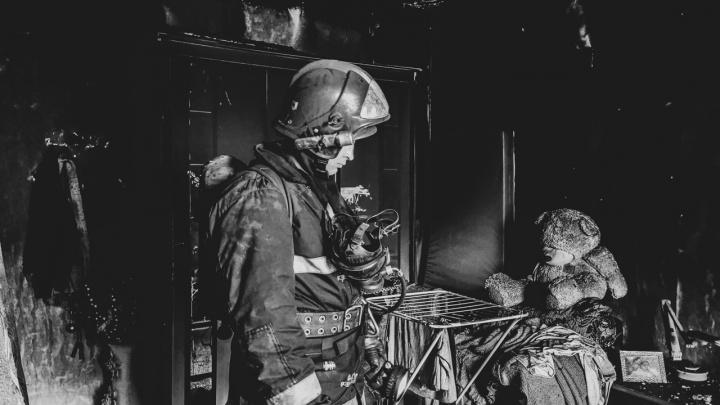 «Я хотел рассказать, что мы чувствуем, когда находимся в этом аду»: прикамский пожарный снимает будни своих коллег