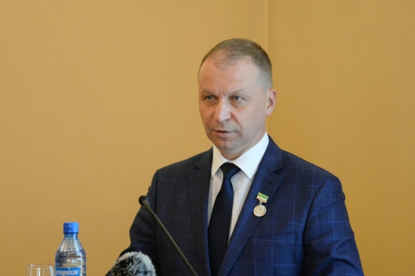 Андрей Потапов выступил с отчетом перед депутатами городской думы, после чего они приняли отставку бывшего мэра