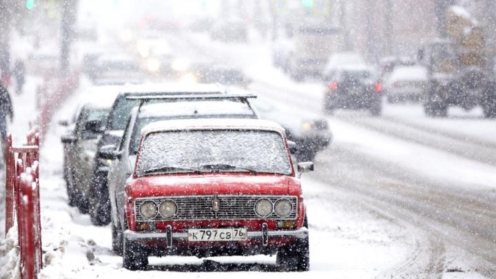 «Проверьте тросы и запаски»: дорожный активист предупредил ярославских автомобилистов о проблемах