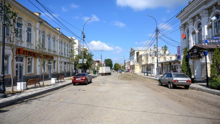 Власти Таганрога обвинили подрядчика в срыве сроков по ремонту Петровской