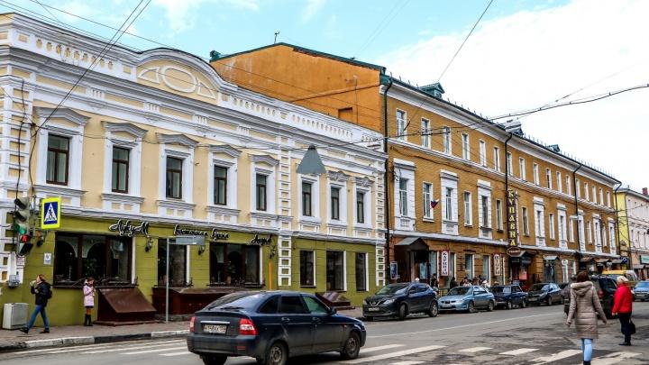 Парковку автомобилей частично запретят на улице Алексеевской