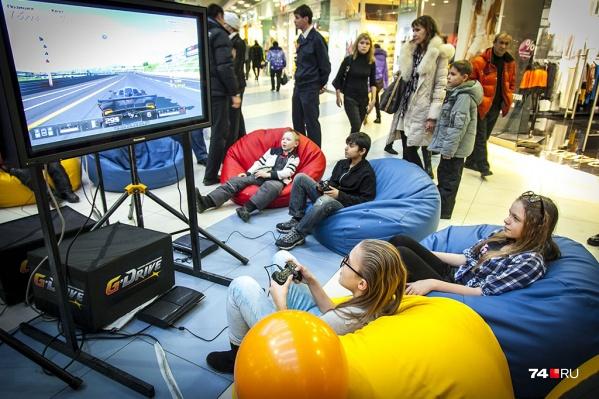 Этим летом сургутские подростки смогут и спортом позаниматься, и в компьютерные игры сразиться